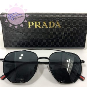 0a39010cd2b09 Óculos de Sol Prada Linea Rossa PS 56SS Masculino - Preto
