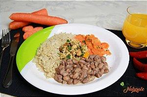 EQ09 - Frango xadrez light + arroz integral + feijão + cenoura refogada com azeite e alho