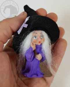 Bruxinha Ilka - Vestido Roxo