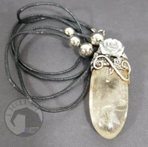 Amuleto - Cristal e Rosa