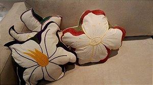 Almofadas Decorativas - Flores do Cerrado