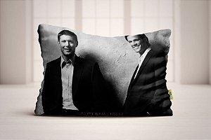 Travesseiro Supernatural Sam e Dean