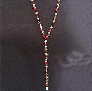 Colar feminino com cristais coloridos