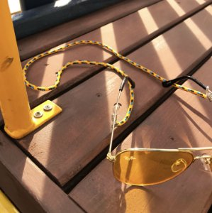 Cordinha náutica amarela para óculos