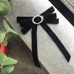 Broche Gravatinha com veludo preto