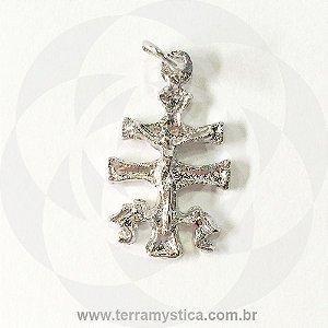 CRUZ DE CARAVACA COM ORACAO - Pingente Prateado 3,5 cm
