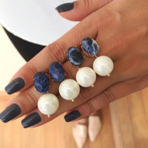 Brinco Pedra Sodalita com Pérola Shell