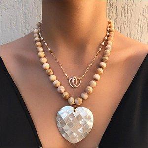 Colar de Pedras Naturais com Coração de Madrepérola
