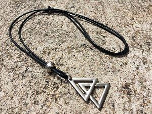 Colar Dois Triângulos Regulável