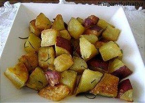 Batata doce assada com azeite e alecrim