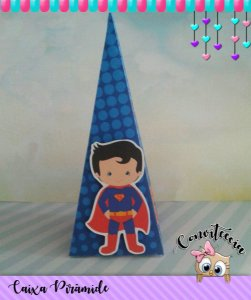 Caixa Piramide Super Homem