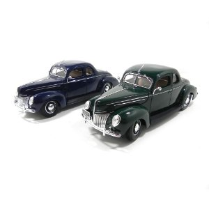 1939 FORD DELUXE 1/18 MAISTO 31180