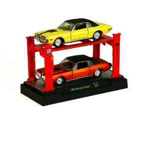 1968 MERCURY COUGAR 2 PACK + ELEVADOR 1/64 M2 MACHINES AUTO-LIFT R13 M2M33000-13