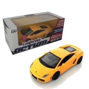 LAMBORGHINI GALLARDO LP560-4 COM FRICÇÃO 1/32 CALIFORNIA ACTION 68323