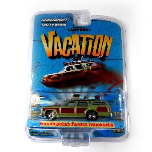 WAGON QUEEN FAMILY TRUCKSTER VACATION 1/64 GREENLIGHT HOLLYWOOD 44720-A