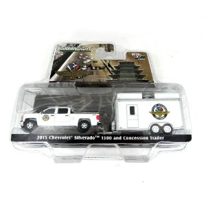 2015 Chevrolet Silverado 1500 And Concession Trailer Hitch & Tow Serie 6 1/64 Greenlight 32060