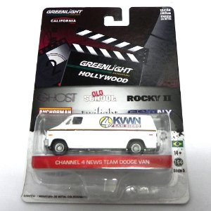 CHANNEL 4 NEWS TEAM DODGE VAN ANCHORMAN 1/64 GREENLIGHT HOLLYWOOD SERIE 5 44650-X