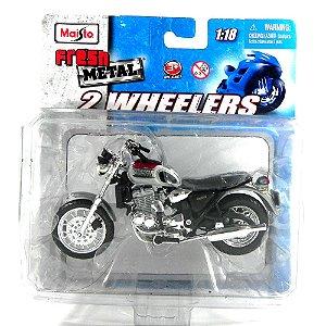 MOTO TRIUMPH 900 1/18 MAISTO 2 WHEELERS MAI00302