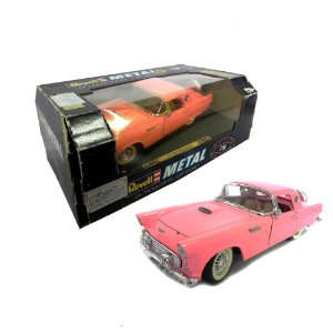 1951 Ford Thunderbird Pink Dream 1/18 Revell Metal 8817