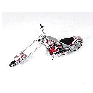 MOTO CHOPPER 1/18 SAICO 18500W COM DEFEITO
