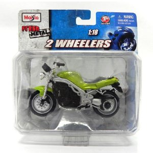 MOTO TRIUMPH SPEED TRIPLE 955i 1/18 MAISTO 2 WHEELERS 35010