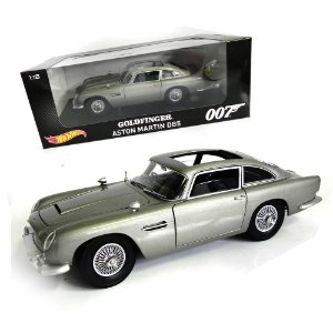 GOLDFINGER 007 CONTRA GOLDFINGER ASTON MARTIN DB5 1/18 HOT WHEELS CMC95 HOTCMC95