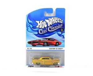 1953 Chevy Custom 1/64 Hot Wheels Cool Classics Y9453