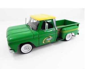 1965 Chevy Pick Up C-10 Quaker State 1/18 Greenlight 12874