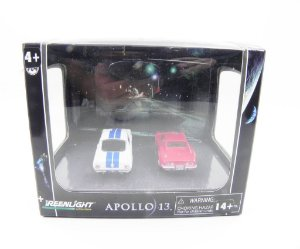 DIORAMA APOLLO 13 1970 CHEVROLET CORVETTE STINGRAY E 1966 FORD SHELBY GT350 1/64 GREENLIGHT 56042