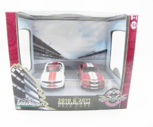 Diorama 2010-11 Indianapolis 500 Pac Cars 2010 Camaro Ss E 2011 Camaro Ss Indy 500 1/64 Greenlight 56050