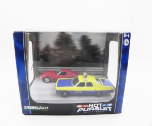 DIORAMA SERIE 5 HOT PURSUIT 1974 NEW YORK STATE POLICE DODGE MONACO E 1968 CHEVY CORVETTE L-88 1/64 GREENLIGHT 56050