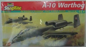 AVIÃO A-10 WARTHOG SNAP 1/72 REVELL 1174