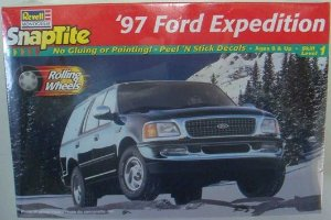 1997 FORD EXPEDITION TRUCK 1/25 REVELL REV6440