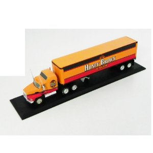 HONEY BROWN MACK TRUCK 1/100 MATCHBOX CCY05-M