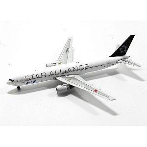 AVIÃO BOEING 767-300/ER ANA STAR ALLIANCE JA614A 1/400 PHOENIX MODELS 10398