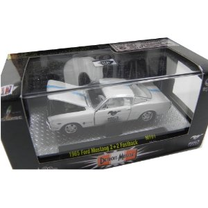 1965 Ford Mustang 2+2 Fastback 1/64 M2 Machines 32500 Mt01