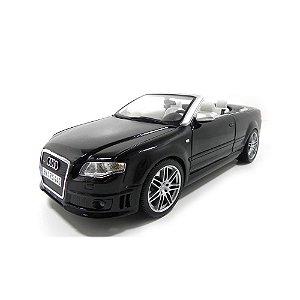 Audi RS4 1/18 Maisto