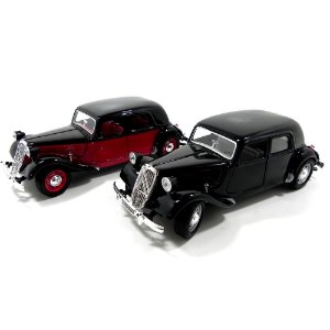 CITROEN TRACTION AVANT 15CV 1/24 BBURAGO 22017