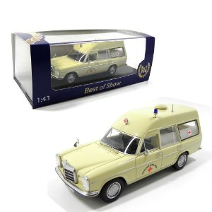 AMBULÂNCIA MERCEDES-BENZ W114 1/43 BEST OF SHOW BOS43450