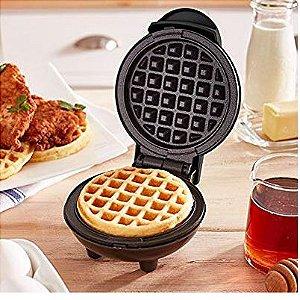 Mini Maker Waffle  Dash - Preta Bi-volt