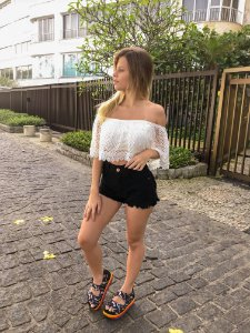 Cropped Renda com bojo