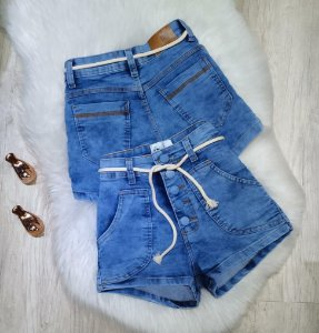 Short Jeans com corda - Com stretch