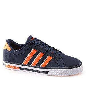 Tênis Adidas Daily Team