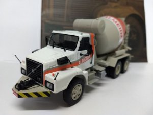 Volvo N-10-Escala 1/43-Editora 78