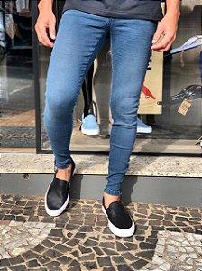 Calça Jeans mega fit, detalhe Ziper na barra