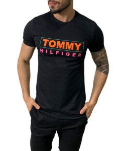 Camiseta Tommy Hilfiger Estampada Preta