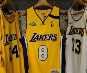 Camisa Los Angeles Lakers - 8  kobe Bryant - mitchell and ness - finais 2000 / 01