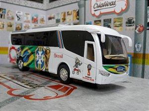 Ônibus Copa do mundo -  Seleção Brasileira  - Time de Futebol (em metal)