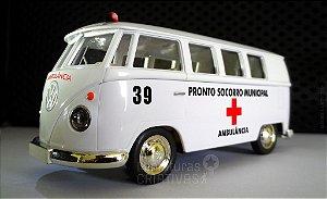 Miniatura Kombi Ambulância Municipal