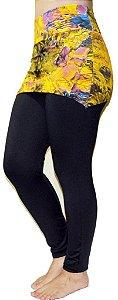 Calça Legging Saia Preta com Estampa de Flores